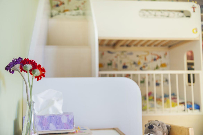 интериорен дизайн на детска стая - легло