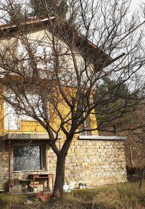 Стара къща преди ремонт